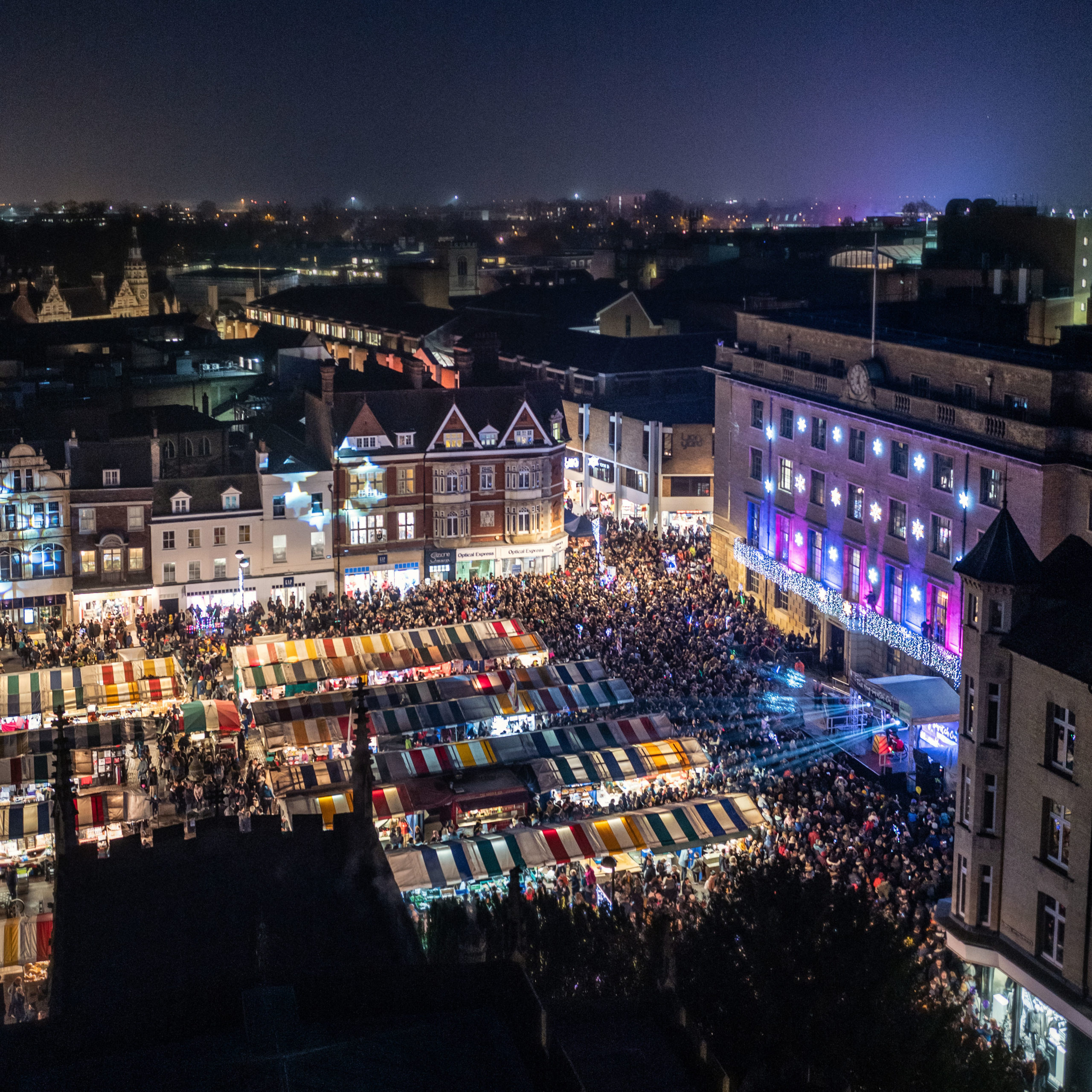Cambridge Christmas Lights Switch On Moves Online
